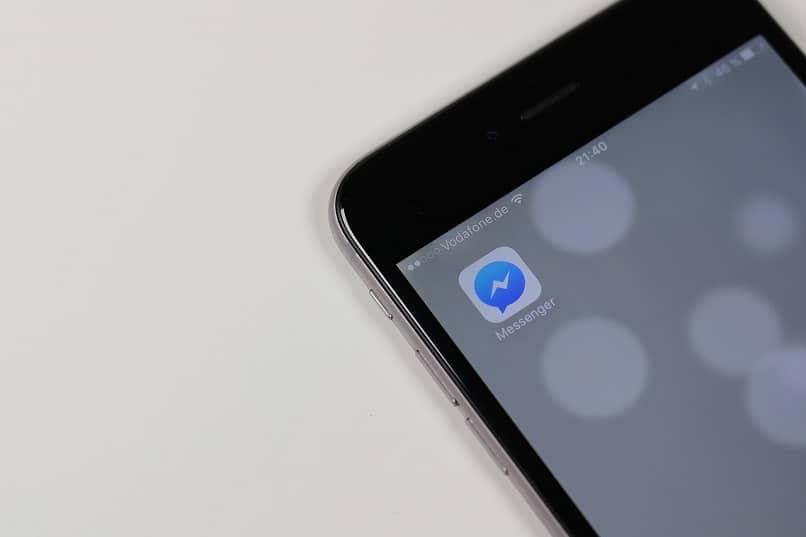 telefono con aplicacion messenger de facebook