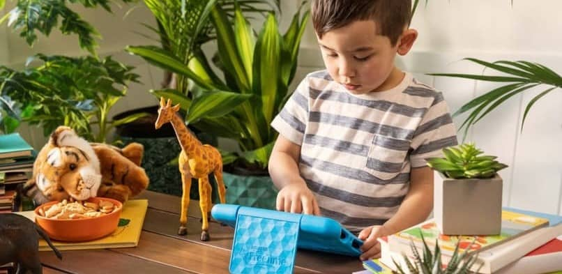 boy using the epic tablet